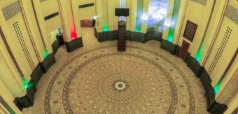 The application of integrated and large size carpet