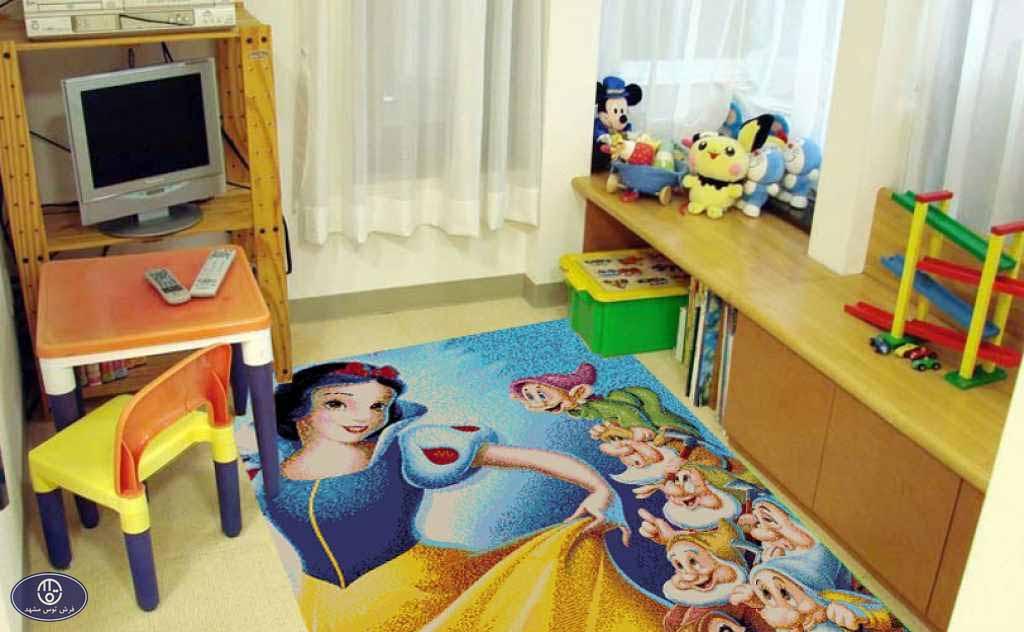 فرش عروسکی سفید برفی
